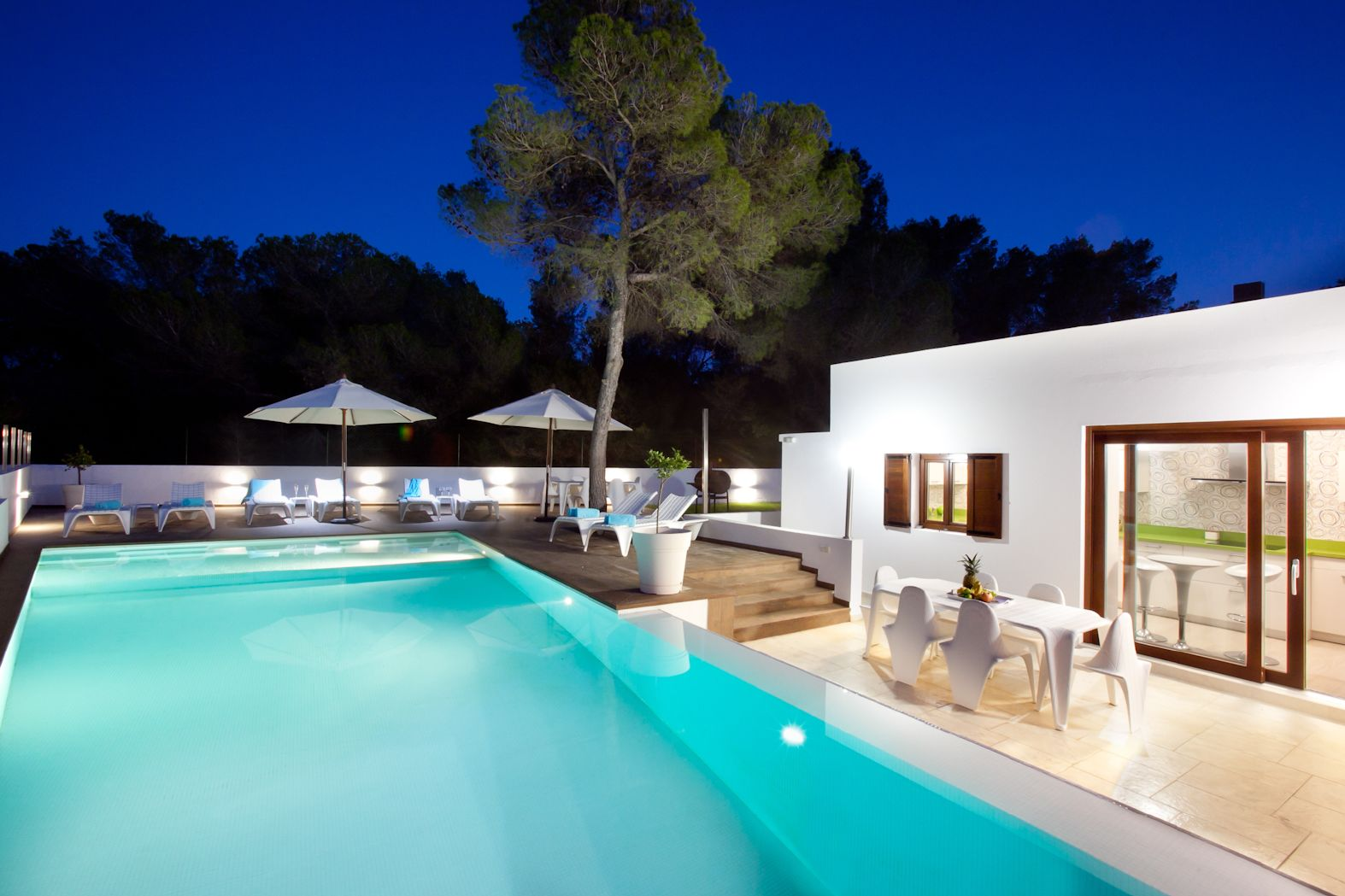 Beautiful 6 Bedroom House With Swimming Pool Garden And Terraces Reciently Reformed At 200 M From The Excellent Beach Cala Ba